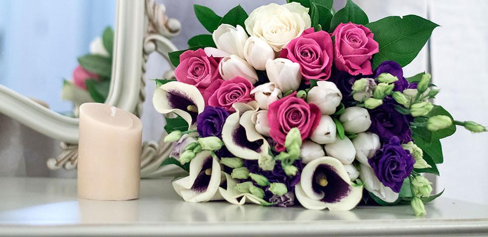 Cadouri cu flori de Ziua Indragostitilor – partea 2