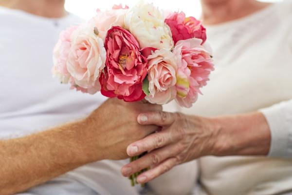 Bucuria de a primi flori nu are vârstă!
