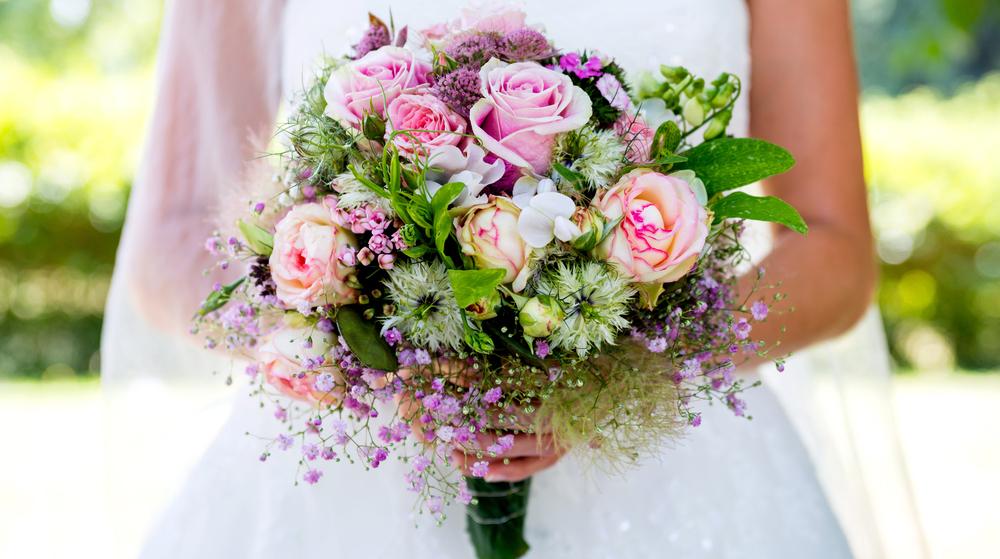 Cum se aleg florile pentru buchetul de mireasa?