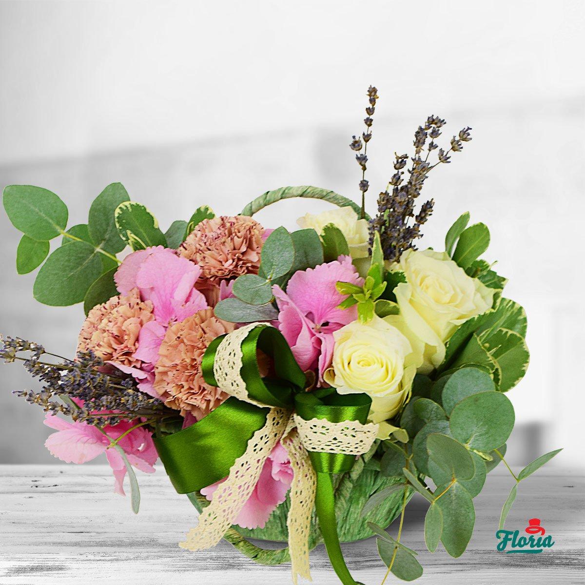 Cosul cu flori: un cadou versatil
